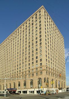 The Leland Hotel, Detroit, MI, can't begin to compete against its sorry ratings on TripAdvisor.com.