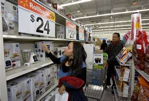 Who controls more consumer household spending ... women or men?