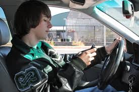 Texting while driving ... and other unsafe habits of cellphone users
